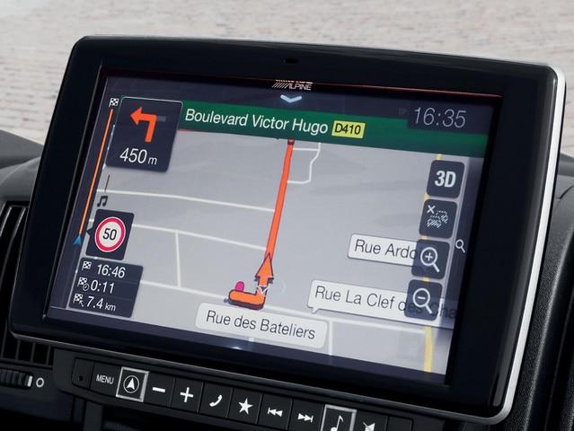 De nieuwe Peugeot e-Boxer: 9 inch touchscreen