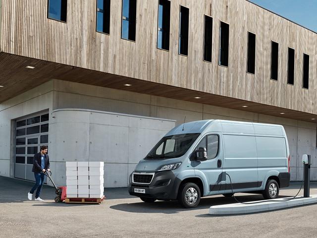 De nieuwe Peugeot e-Boxer: afhankelijk van de uitvoering een nuttig laadvermogen van tot wel 1890 kg