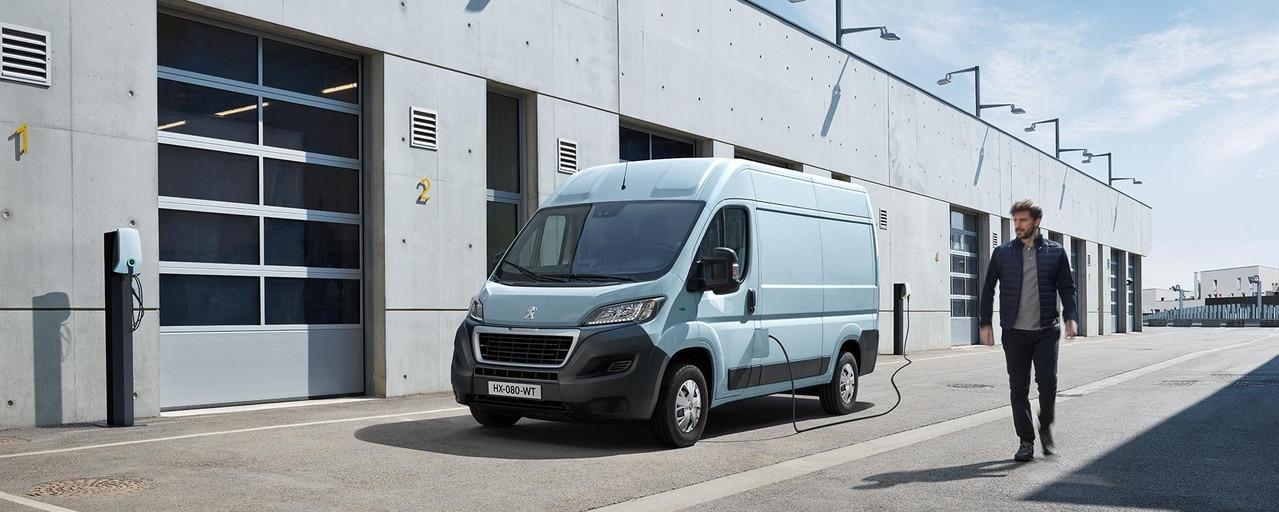 De nieuwe Peugeot e-Boxer: Opladen op het werk