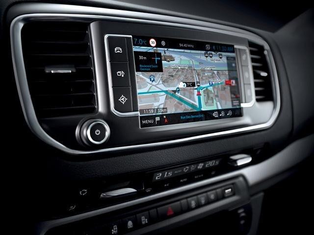 Peugeot Traveller Business - Connect 3D-navigatiesysteem
