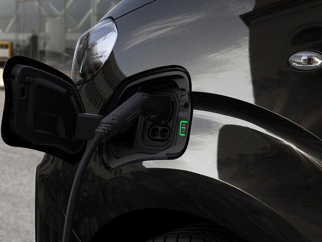 Nieuwe Peugeot e-TRAVELLER BUSINESS - Thuis versneld opladen met de wallbox