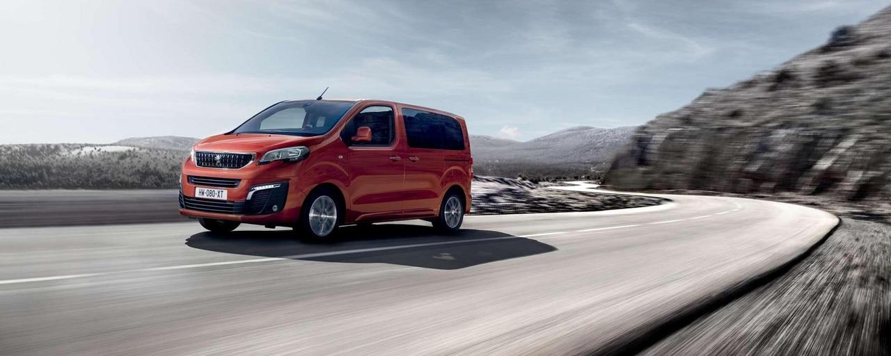 Peugeot EXPERT COMBI – Vooraanzicht combispace met karaktervol design