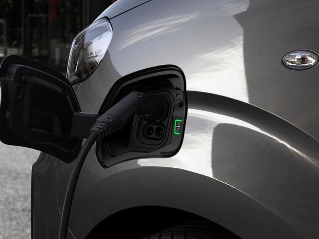 Nieuwe Peugeot e-EXPERT COMBI – Thuis opladen