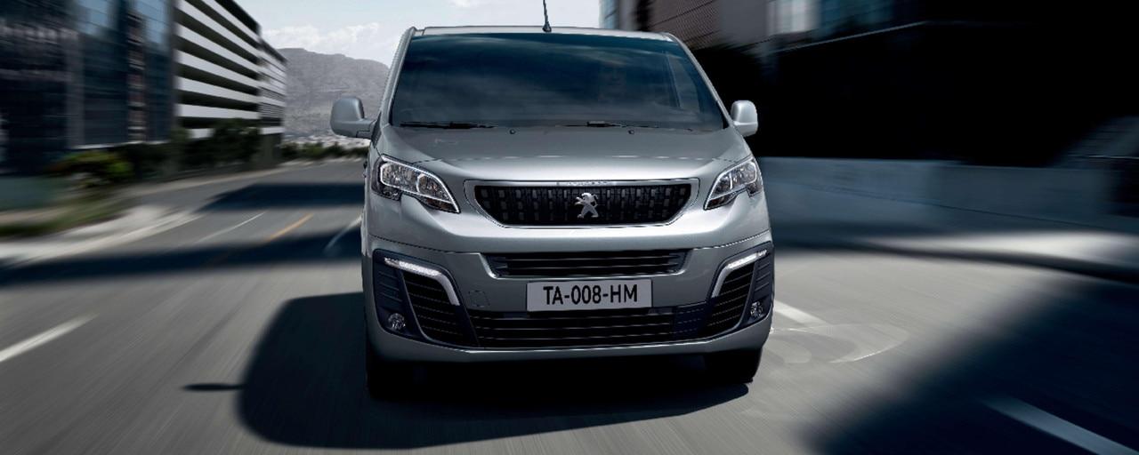 Peugeot Expert –  Stoere voorzijde, recht van voren