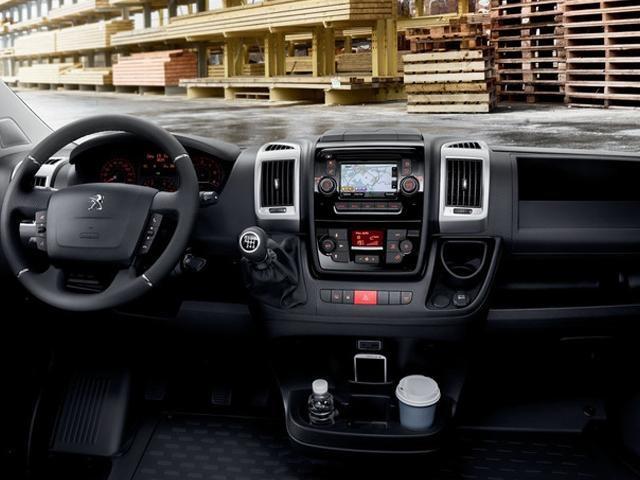 Peugeot Boxer -  mobiel kantoor interieur