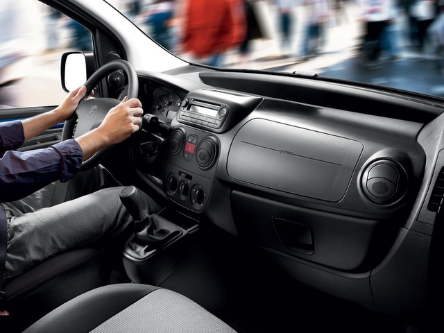 Peugeot Bipper - Compacte bedrijfsauto - ergonomisch dashboard
