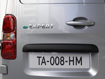 Nieuwe Peugeot e-EXPERT – Logo e-Expert achter