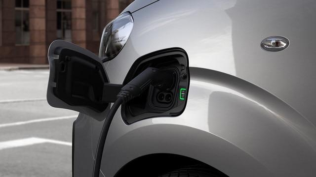 Nieuwe Peugeot e-EXPERT – klep laadaansluiting