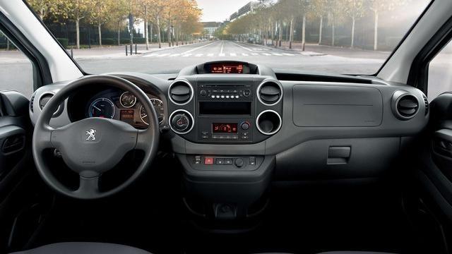 Peugeot Partner Electric - interieur cockpit