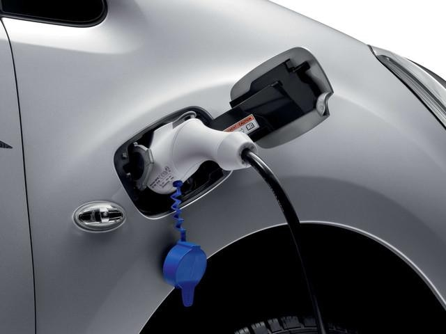 Peugeot Partner Electric - laadcapaciteit - stekkerdoos