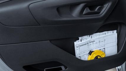 Peugeot Partner - interieur opbergmogelijkheden