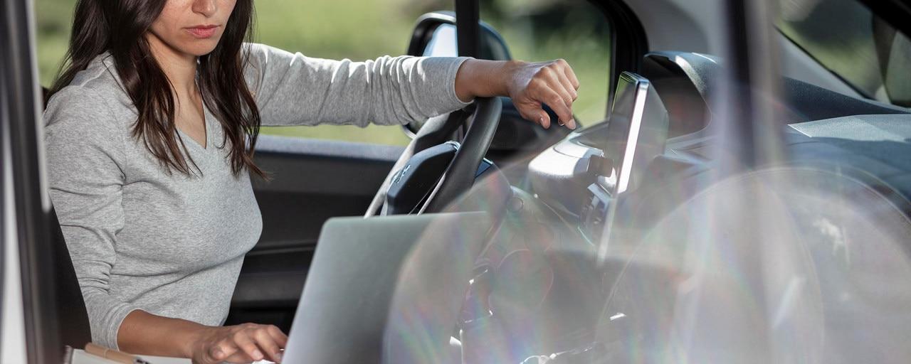 Peugeot Partner - Gebruik als mobiel kantoor