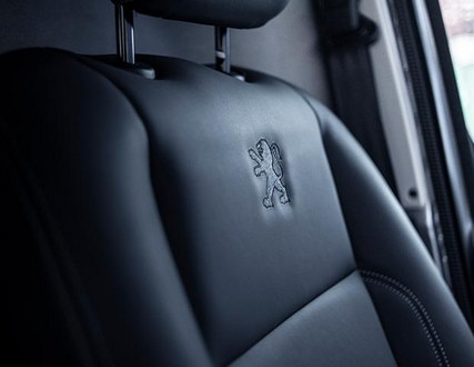 nieuwe Peugeot Expert Sport - interieur bekleding