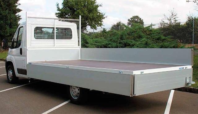 Peugeot Bedrijfsauto's - Peugeot Boxer chassis cabine met open laadbak