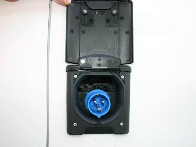 Peugeot Bedrijfsauto's - Peugeot koel-/vriestransport - buitenzijde ingebouwde aansluiting