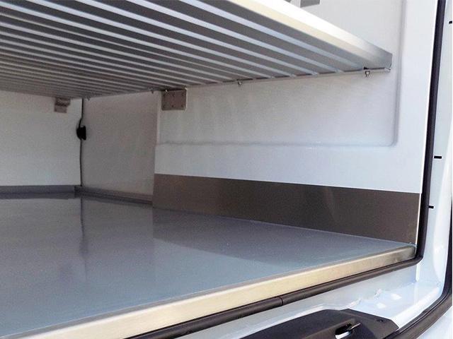 Peugeot Bedrijfsauto's - Peugeot Expert interieur koel-/vriestransport
