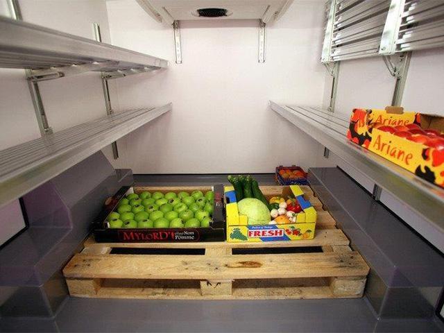 Peugeot Bedrijfsauto's - Peugeot Expert ruimte voor pallet koel-/vriestransport