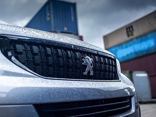 nieuwe Peugeot Expert Sport - exterieur voorzijde