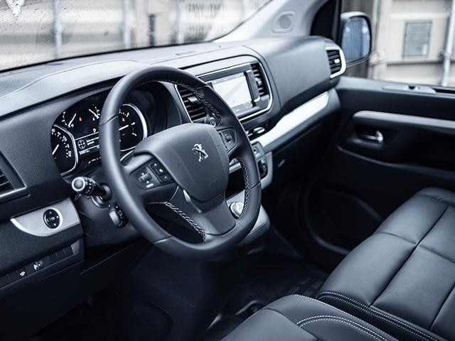 nieuwe Peugeot Expert Sport - werkplek interieur